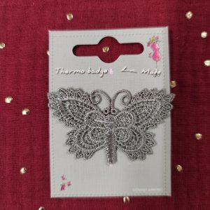 Badge écusson thermocollant papillons crochet gris