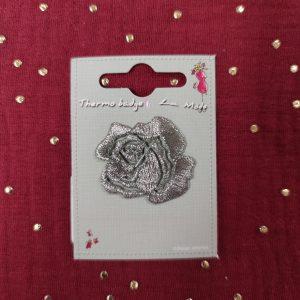 Badge écusson thermocollant petite rose argent