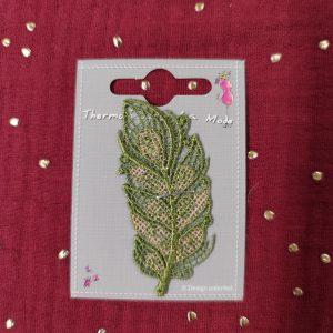 Badge écusson thermocollant plume dentelle vert et or