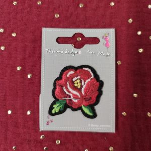 Badge écusson thermocollant fleur rouge