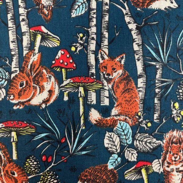 coton, bois, foret, animaux de la foret, renard, lapin, champignon, feuiles, hérisson, écureuil, gris anthracite, rouge, orange, marron